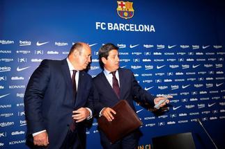 Óscar Grau (izquierda), en rueda de prensa, la pasada temporada.