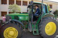 Albert Rivera, durante una visita a la localidad de Sayatón (Guadalajara) en la campaña electoral del 28 de abril.