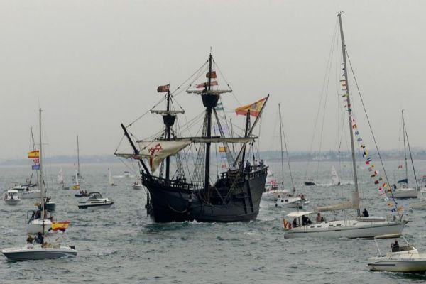Una réplica del barco de la Nao Victoria.