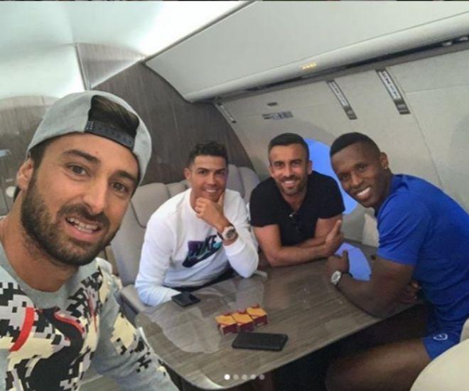 Ronaldo con tres de sus más fieles amigos