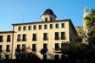 Fachada del Instituto Luis Vives en Valencia,