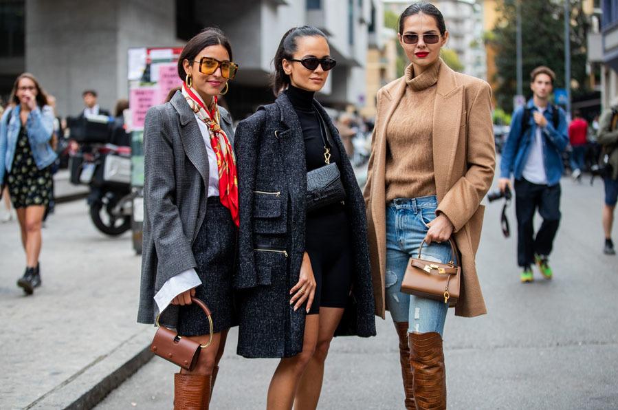 """En <strong><a href=""""https://www.elmundo.es/yodona/pasarelas.html"""" target=""""_blank"""">Nueva York y Milán</a></strong> se ha visto una vuelta a los grandes clásicos de los setenta reinterpretados de modo que no queda espacio al aburrimiento. No faltan las blazers XXL, blusas de organza, vestidos con volumen, camisetas con hombreras abullonadas y todo tipo de estampados. <BR/> Si necesitas inspiración a continuación te mostramos nuestra selección para que llenes tu armario de tendencia a un precio asequible."""