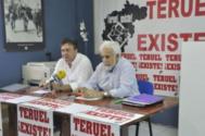 Tomás Guitarte (izqda.) y Manuel Gimeno, en rueda de prensa.