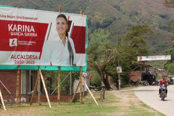 Cartel electoral de Karina García Sierra, la candidata asesinada.