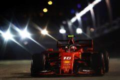 Leclerc comanda la gran sorpresa de Ferrari
