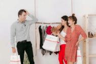 Silverio Ros junto a Daniela Morales y carmen Illán, de la junta directiva de la marca.