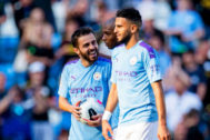 Manchester (United Kingdom).- Manchester City's <HIT>Bernardo</HIT> <HIT>Silva</HIT> (L) carries the matchball after the English Premier League soccer match between Manchester City and Watford FC in Manchester, Britain, 21 September 2019. Manchester City won 8-0 with three goals scored by <HIT>Bernardo</HIT> <HIT>Silva</HIT>. (Reino Unido) EPA/ EDITORIAL USE ONLY. No use with unauthorized audio, video, data, fixture lists, club/league logos or 'live' services. Online in-match use limited to 120 images, no video emulation. No use in betting, games or single club/league/player publications