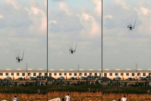 Secuencia del ataque de un dron israelí para disolver una manifestación en Palestina.