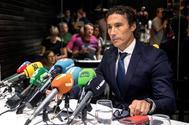 Pablo Ruiz, ex director de Emergencias de Murcia, en rueda de presan tras su cese.