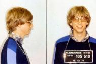 """La foto de la ficha policial de Bill Gates en 1977. Fue detenido por conducir a alta velocidad por el desierto, algo que según él """"le relajaba"""""""