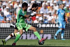 El Valencia en transición no puede con el colista