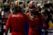 Vettel y Leclerc, tras la bandera a cuadros en Marina Bay.
