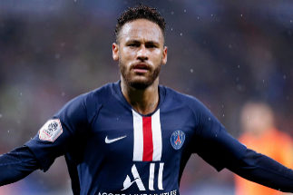 Lyon (France).- Paris Saint Germain's <HIT>Neymar</HIT> celebrates scoring the 1-0 lead during the French Ligue 1 soccer match between Olympique Lyon and PSG at Parc Olympique Lyonnais stadium in Lyon, France, 22 September 2019. (Francia) EPA/