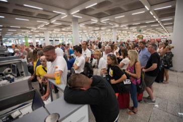 Thomas Cook se declara en quiebra y deja tirados a 600.000 turistas