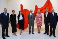 Autoridades y personalidades vinculadas a la obra de Picasso y Calder.