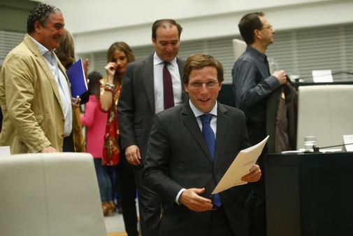 El alcalde de Madrid, José Luis Martínez-Almeida, en el Pleno del...