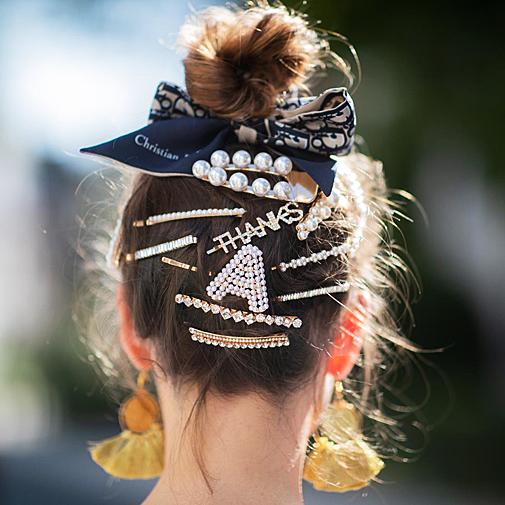 Los Accesorios Para El Pelo Que Triunfan En El Street Style También Serán Tu Solución Diaria Si Sigues Estas Claves Belleza