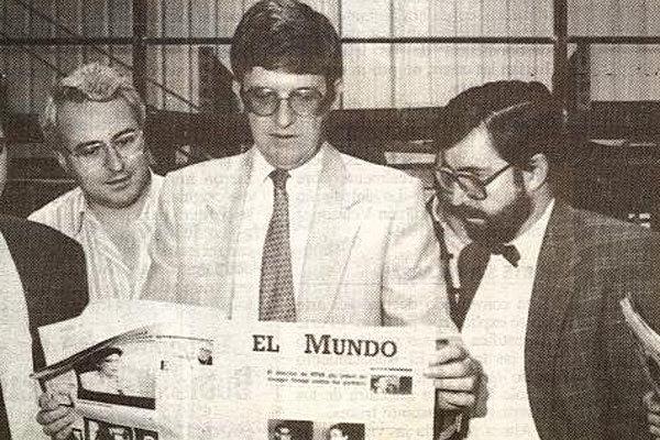 Víctor Conde, Alfonso de Salas y Juan González, con el primer...