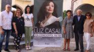 La alcaldesa de Onda, Carmina Ballester, ayer, durante la presentación del concierto de Luz Casal.