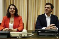 Inés Arrimadas y Albert Rivera, en una reunión del grupo parlamentario de Ciudadanos en el Congreso.