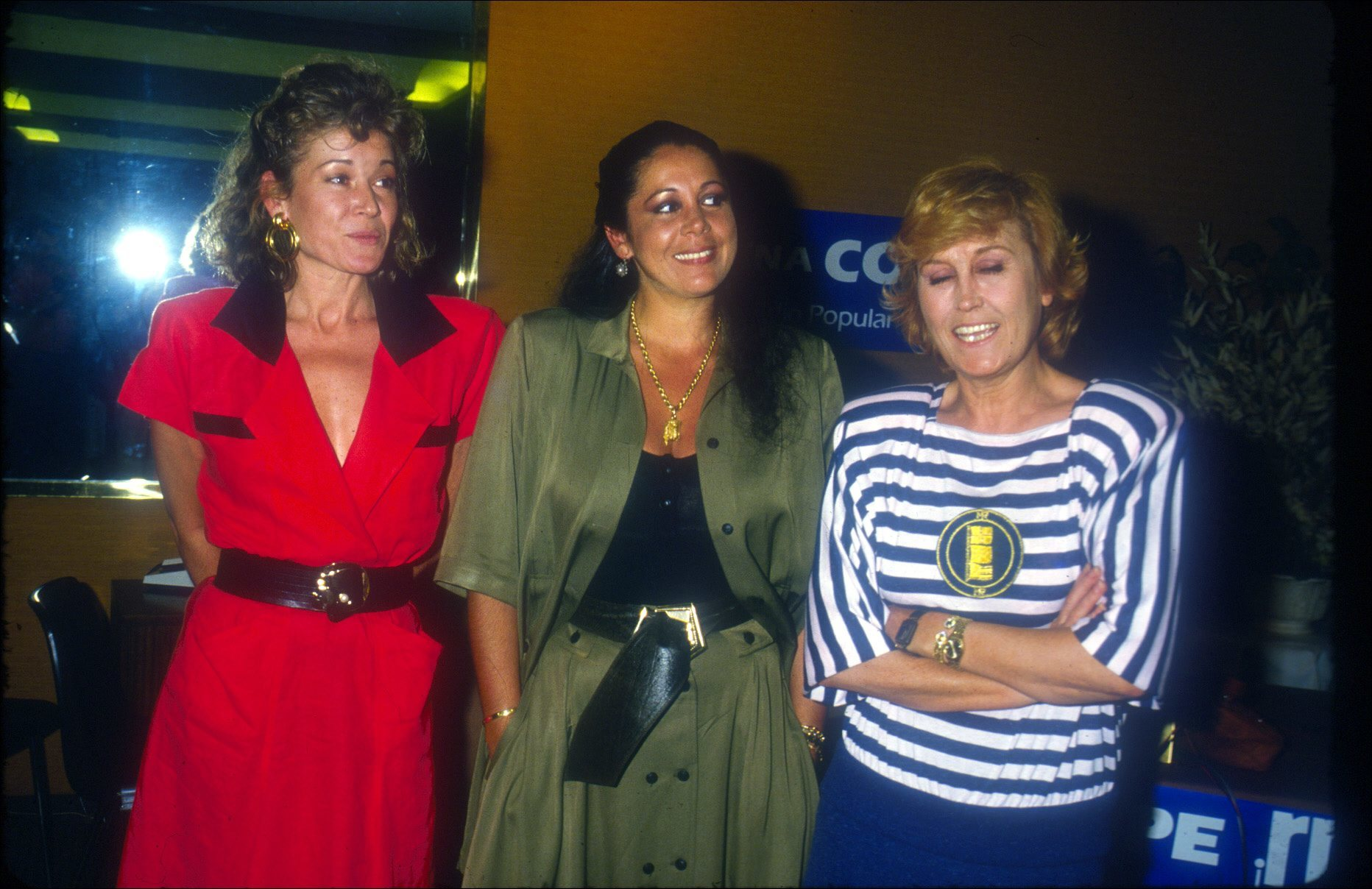 Junto a Isabel Pantoja y Encarna Sánchez, en 1980.