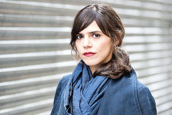 Luiselli nació en México, creció en Corea y a los 20 vivió en Barcelona, donde se enamoró de un catalán y trabajó como camarera en el Bar del Pi. La ciudad sigue siendo muy especial para ella.