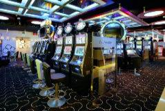Máquinas tragaperras en un casino de Valencia.