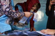 Votos y bombas en Afganistán