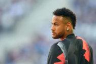 Neymar, antes del partido del PSG ante el Girondins este sábado.