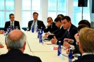 Pedro Sánchez, el pasado día 24 con dirigentes de Wall Street. En la esquina de la izquierda, Kenneth Caplan, jefe inmobiliario de Blackstone.