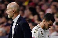 Zidane y Hazard, tras el cambio del belga en el derbi.
