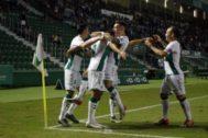 Celebración del gol del Elche.
