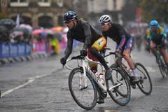 Valverde abandona en el diluvio