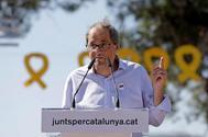 El presidente de Cataluña, Quim Torra, en acto frente a la cárcel de Lledoners (Barcelona), este domingo.