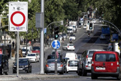 Almeida levanta la prohibición en Madrid Central a los vehículos con etiqueta C y al menos 2 ocupantes