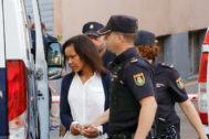 Ana Julia Quezada, trasladada al juzgado.