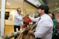 El alcalde de Alicante, Luis Barcala, ayer en la tienda de Ikea del centro comercial.