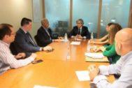 Reunión para debatir sobre la revisión del acuerdo de restricción de horarios comerciales