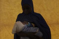 Una joven nigeriana embarazada en Pulka.
