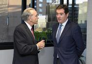 Isidro Fainé, presidente de Ceca, junto a Antonio Garamendi, presidente de CEOE, en Barcelona.