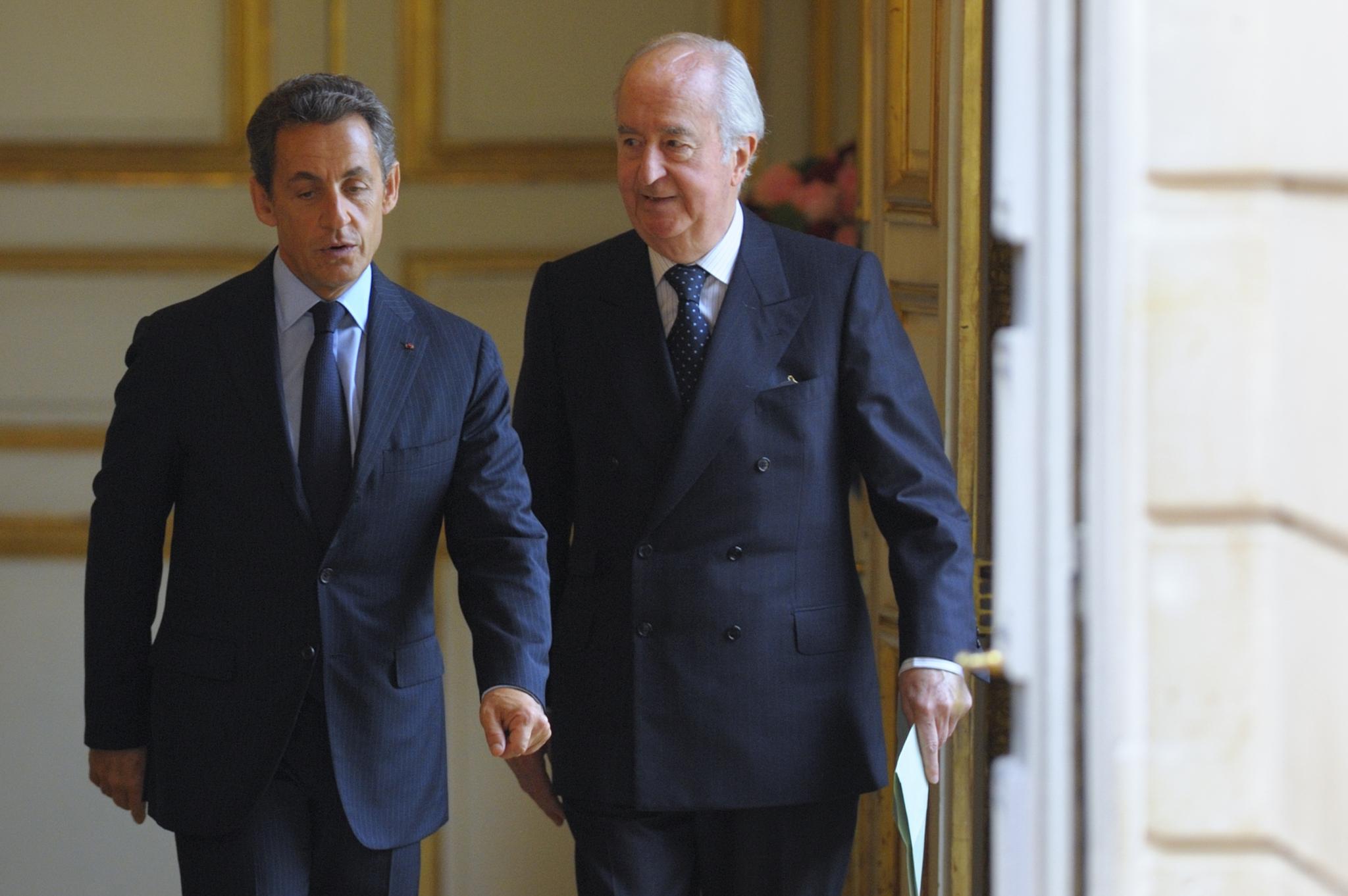France&amp;apos;s President Nicolas <HIT>Sarkozy</HIT> (L) and Edouard Balladur...
