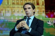 El ex presidente del Gobierno y presidente de Faes, José María Aznar, en una conferencia, este martes, en Budapest.