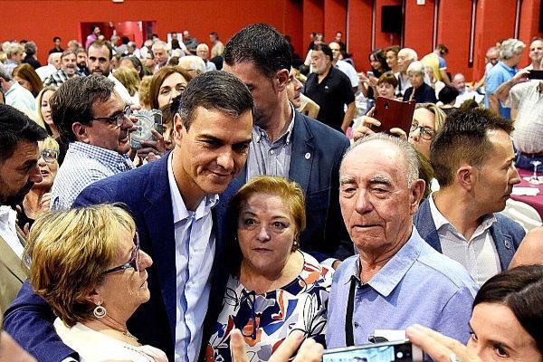El presidente del Gobierno en funciones, Pedro Sánchez, en un acto,...