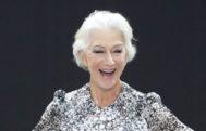 ¿Por qué Helen Mirren y otras famosas se están bajando de los tacones?
