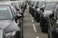 El sector del automóvil intenta frenar el impuesto de la Generalitat al CO2
