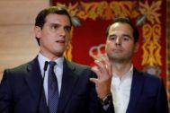 El presidente de Ciudadanos, Albert Rivera, con el vicepresidente de la Comunidad de Madrid, Ignacio Aguado, este miércoles en la Asamblea de Madrid.