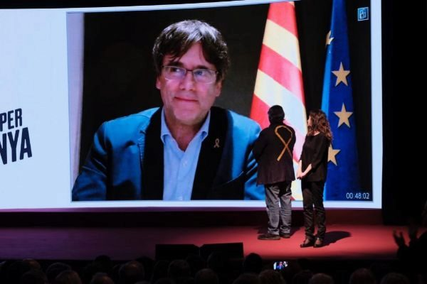 Puigdemont participa en un acto electoral de Junts per Catalunya.