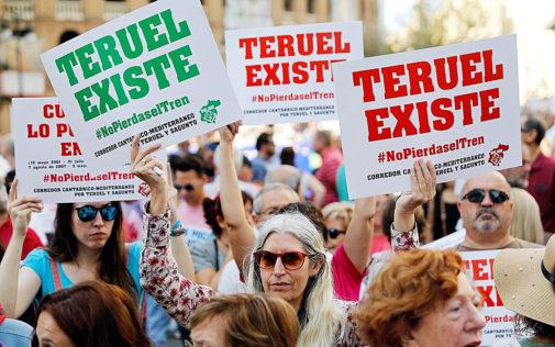 Manifestación convocada por Teruel Existe, este miércoles, en...
