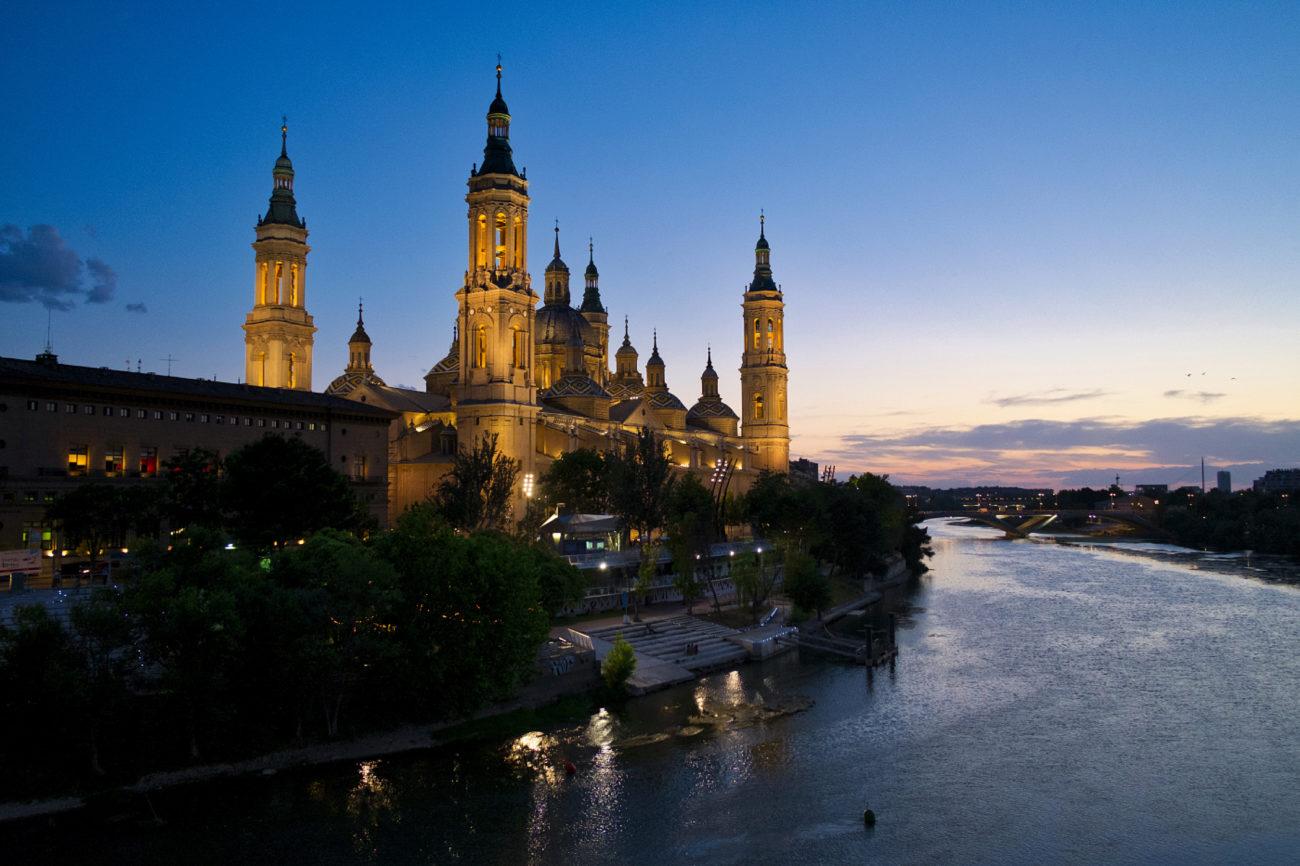 El templo de Nuestra Señora del Pilar es sin duda el icono más...
