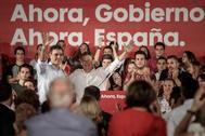 Pedro Sánchez y Ximo Puig, en el mitin del PSOE en Valencia en el que el líder socialista anunció el pago a las comunidades autónomas.